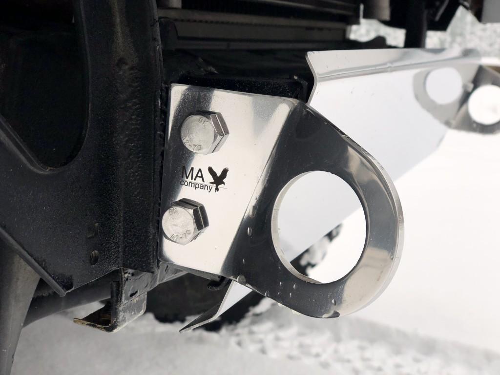 Крюк буксировочный  Suzuki Jimny JB23
